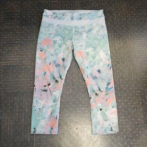 Cute rare lulu crop pants. Size 10